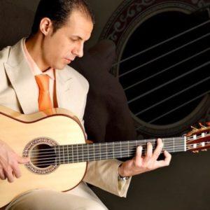 Antonio Gil, guitarrista flamenco y profesor online.